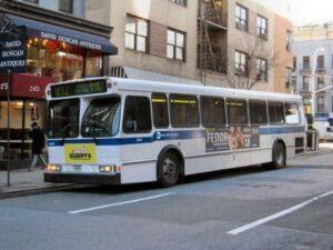 Автобус в Нью Йорке
