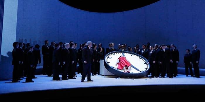 Опера в Линкольн центре в Нью-Йорке