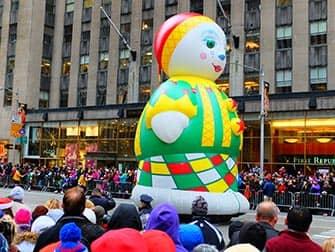 Парад Мэйсис в День благодарения в Нью-Йорке Matruska