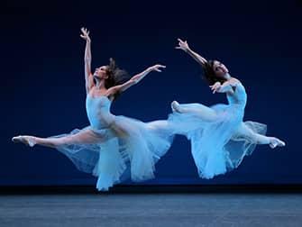 Балет в Линкольн-центре в Нью-Йорке - Серенада