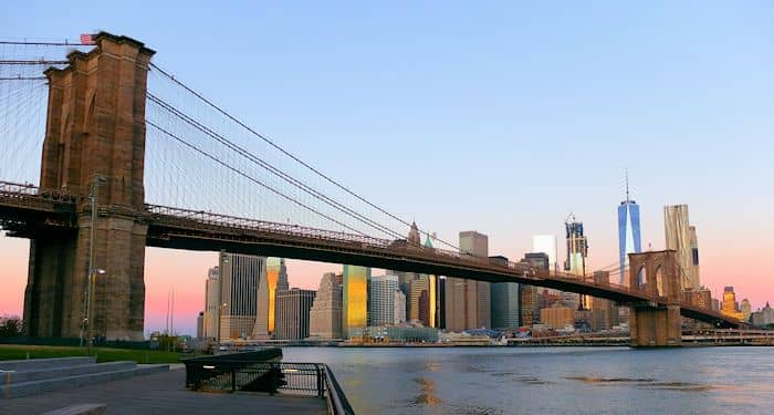 Бруклинский мост в Нью-Йорке Brooklyn Bridge Park