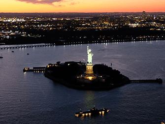 Вечерняя экскурсия на вертолете над Нью-Йорком и обзорный круиз на пароме - Статуя Свободы