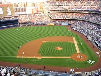 Стадион в Бронксе