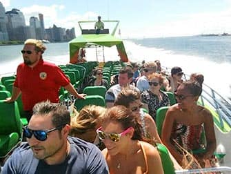 Circle Line: на моторной лодке The Beast в Нью-Йорке
