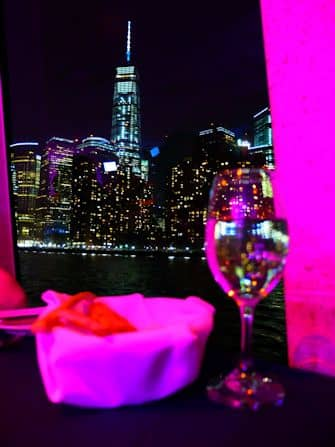 Прогулочный круиз по Нью-Йорку с ужином - One World Trade
