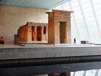 Метрополитен-музей в Нью-Йорке - древнеегипетских экспонатов