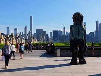 На крыше в Metropolitan Museum of Art в Нью-Йорке