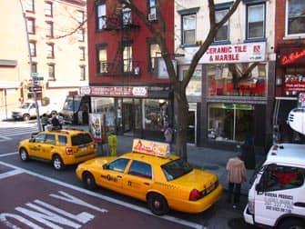 Ист-Виллидж в Нью-Йорке такси