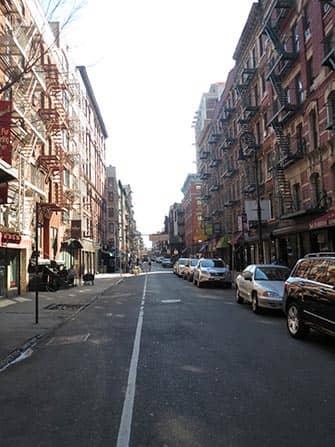 Нижний Ист-сайд в Нью-Йорке улица