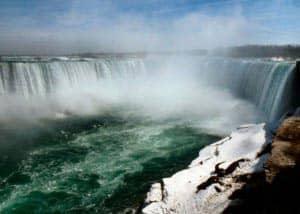 Однодневная экскурсия к Ниагарским водопадам на самолете из Нью Йорка