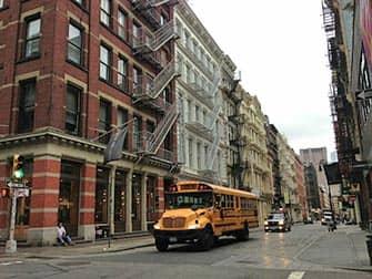 Сохо в Нью-Йорке автобус