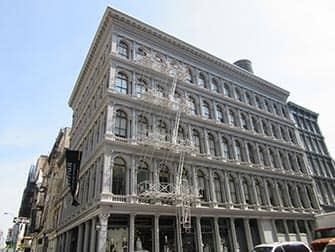 Сохо в Нью-Йорке здание