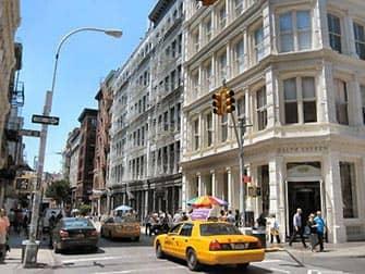 Сохо в Нью-Йорке на такси