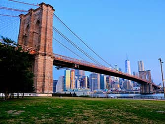 Парк Бруклин Бридж в Нью-Йорке - Бруклинский мост