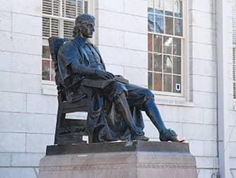 Однодневная экскурсия в Бостон из Нью-Йорка - John Harvard