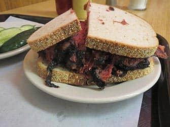 Обед в Нью-Йорке - Pastrami