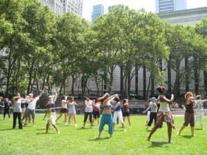 Бесплатные уроки танцев в Брайант парке в Нью Йорке
