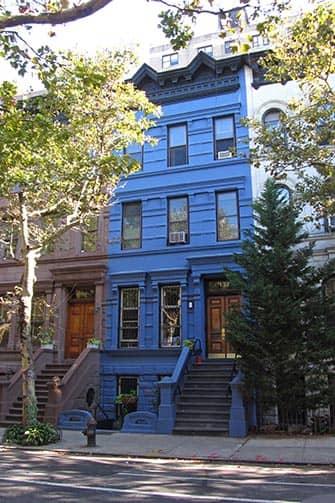 Верхний Вест-Сайд в Нью-Йорке Голубые дома