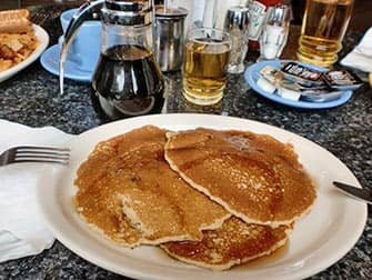 Завтрак в Нью-Йорке блинчики