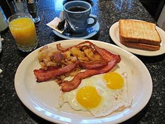 Завтрак в Нью-Йорке Theatre-Row