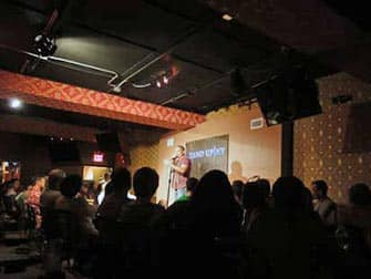 Комедийный клуб в Нью-Йорке Stand Up