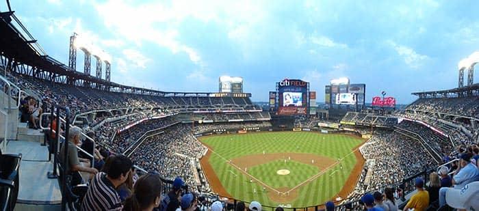 Куинс в Нью-Йорке на стадионе