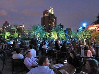Лучшие бары на крышах в Нью-Йорк Bar-230-Fifth
