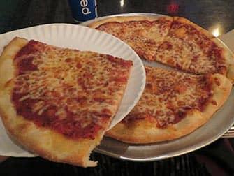 Лучшие пиццерии в Нью-Йорке two brothers