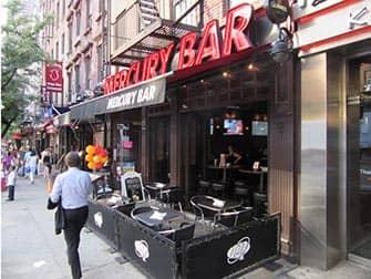 Ночная жизнь Нью-Йорка в Midtown Mercury-Bar
