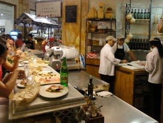 Пекарня на рынке в Нью-Йорке