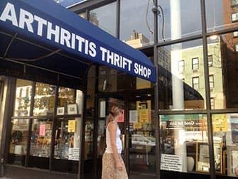 Шоппинг в Верхнем Ист-Сайд в Нью-Йорке - Arthritis Thrift Shop