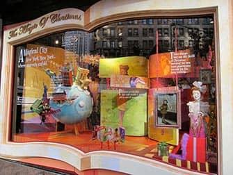 Macy's в Нью-Йорке в окнах