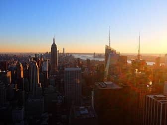 Новогодние каникулы в Нью-Йорке Top-of-the-Rock ночью
