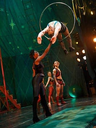 Pippin мюзикл на Бродвее трюки
