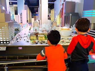 Чем заняться с детьми в Нью-Йорке - Gullivers Gate