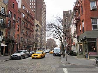 Вест-Виллидж в Нью-Йорке Cobblestone-Street