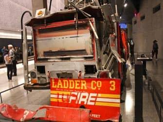 Музей 911 в Нью-Йорке Мемориал
