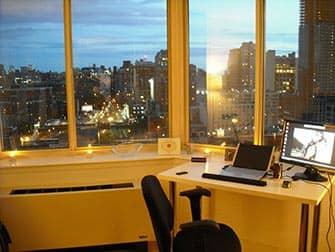 Работать и жить и в Нью-Йорке вид