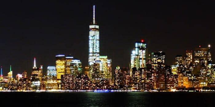 Ночной тур по Нью-Йорку вид и горизонт