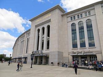 Тур по районам Бруклин, Куинс и Бронкс Stadium