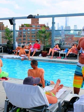 Купальный сезон в Нью-Йорке -Gansevoort