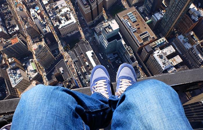 Экскурсия над Нью-Йорком на вертолете без дверей - shoe selfie